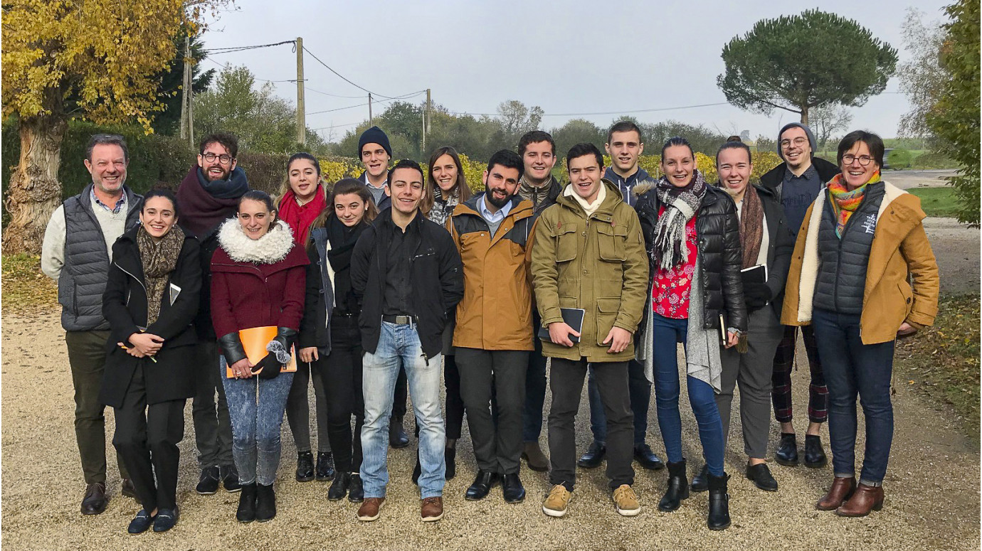 Sud Formation de Béziers sommelier students visiting the domaine